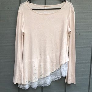 Free People Distressed Top With Lace Trim A8
